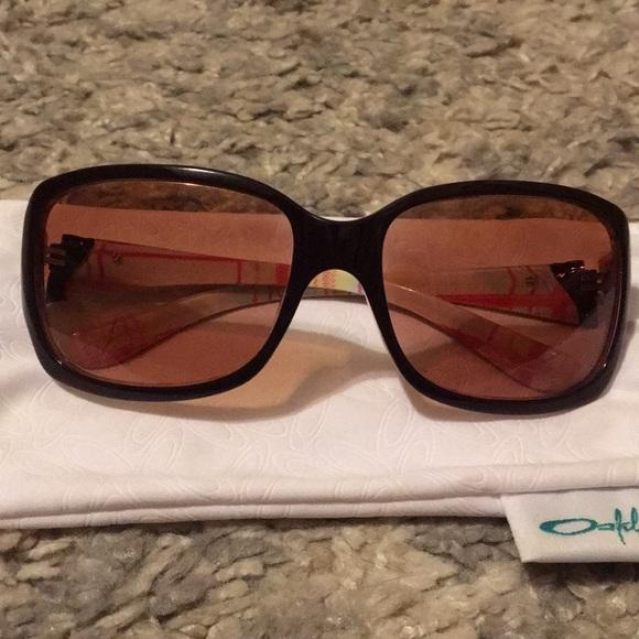 dca64f8e9eca Oakley Accessories   Discreet Womens Sunglasses 00201202   Poshmark